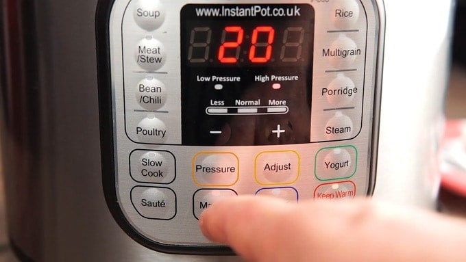 Front of Instant Pot being set for 20 minutes
