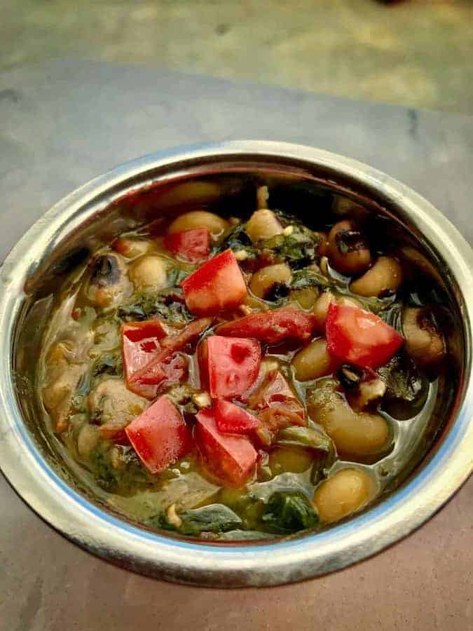 Pressure Cooker Vegetarian Gluten-Free Indian Black Eyed Peas with Spinach Lobia