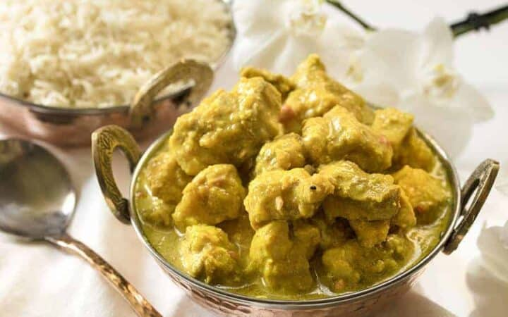 Chicken Korma sideways view