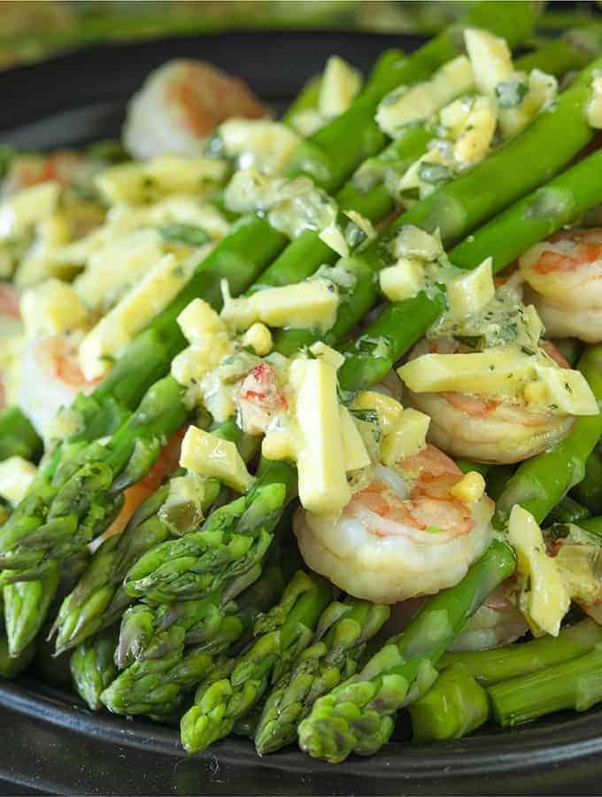 A dish of Keto Shrimp, Grits and Asparagus.