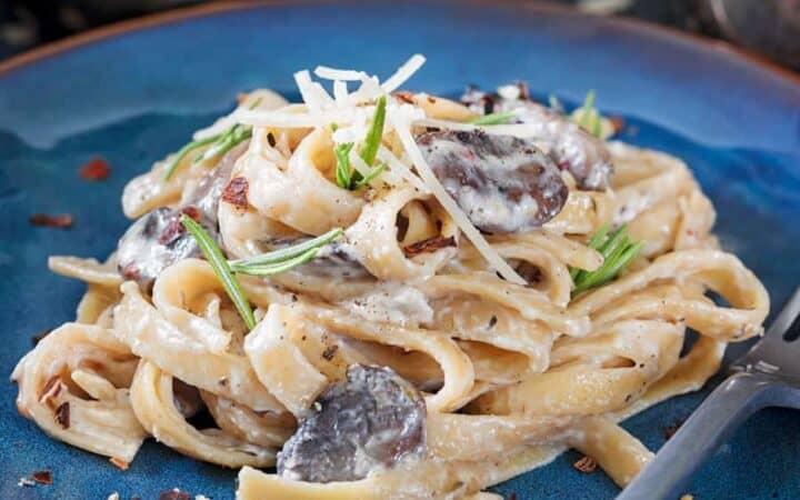 Mushroom Pasta With Mascarpone Sauce