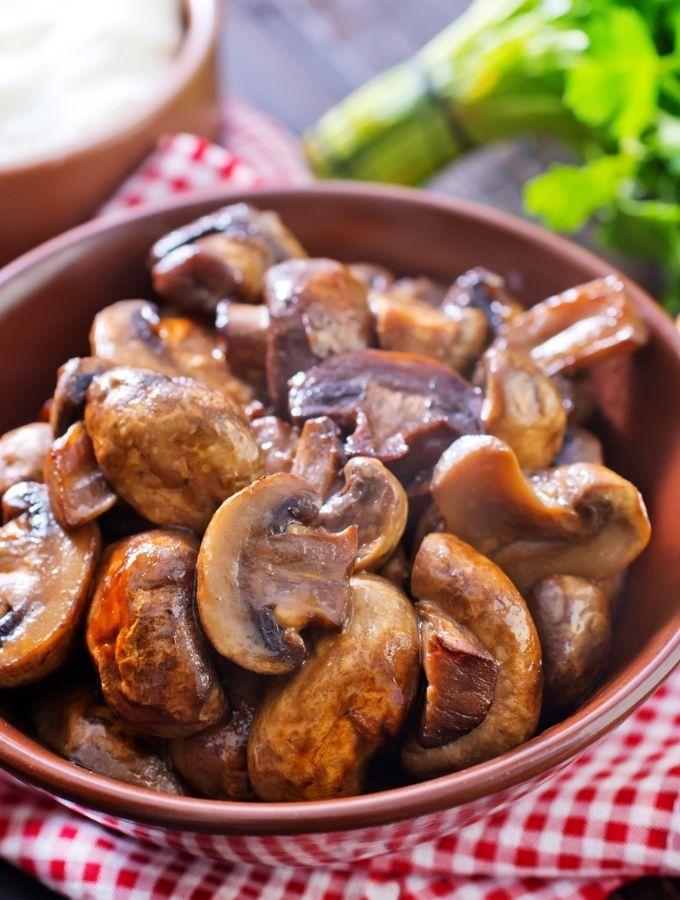 air fryer mushrooms in a wooden bowl
